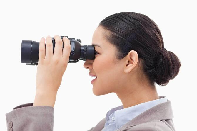 binoculars-woman-future-ss-1920.jpg