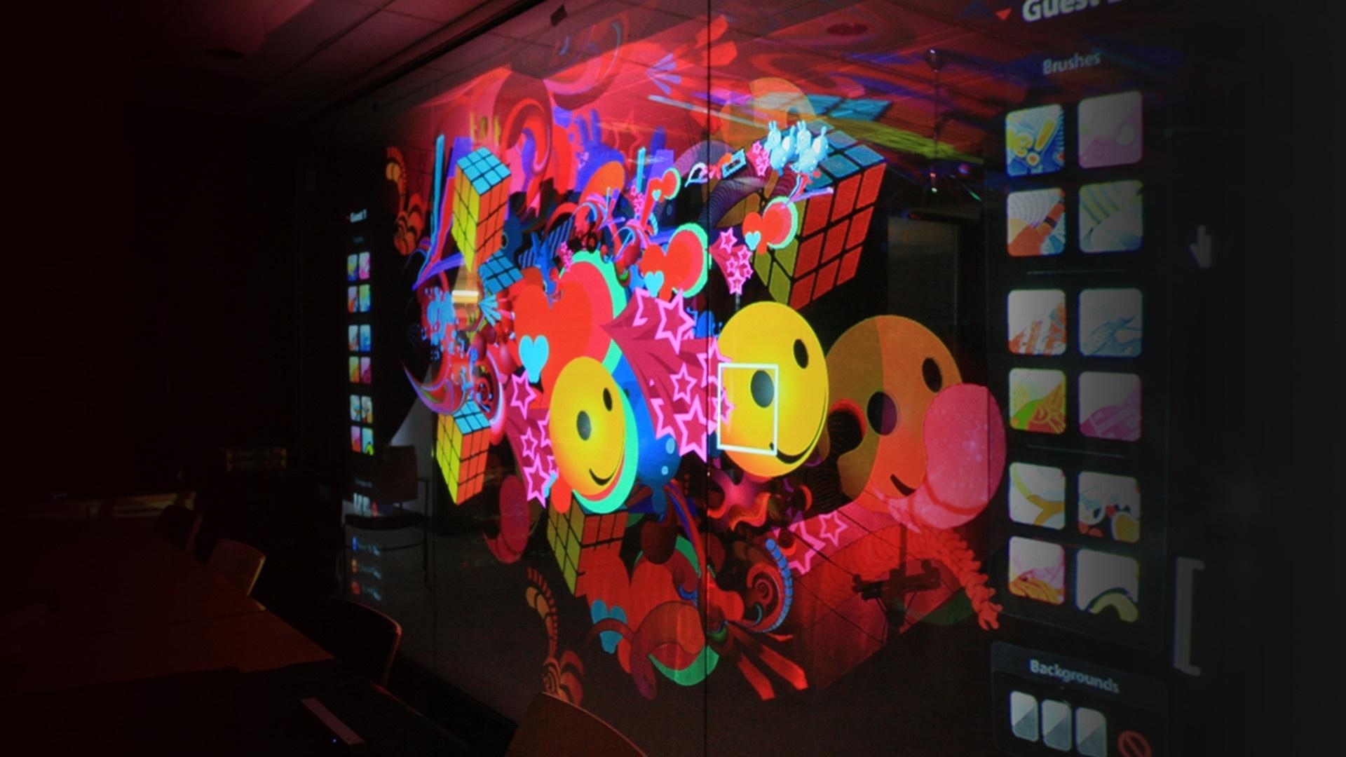expertise_digital-installations_parallax01